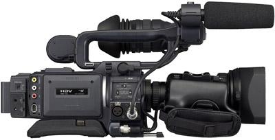 בחלק מהמצלמות קים חיבור למיקרופון חיצוני