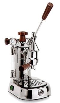 מכונה קפה ידנית (בוכנה). דורשת מיומנות גבוהה ומעורבות מלאה מצד המשתמש בתהליך הכנת הקפה