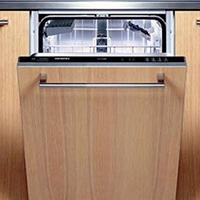 מדיח אינטגרלי מלא. ניתן להרכיב על גבי הדלת פלטת עץ הזהה לדלת הארון