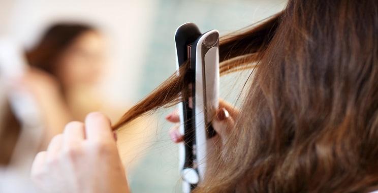 איך לבחור מחליק שיער