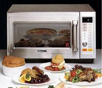 מיקרוגל משולב משמש להכנת תבשילים בדומה לטוסטר אובן ולתנור