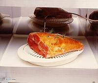 במכשירי מיקרוגל נבחרים יש חיישן המוחדר למזון ומבקר במדויק את טמפרטורת הבישול הרצויה