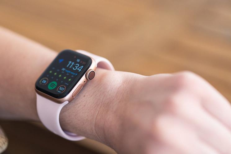 Apple Watch Series 4 40mm: אייפון בצורת שעון