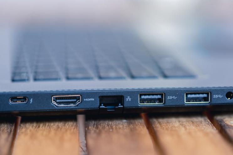 Dell G3 17: גיימינג נייד בין שקעים