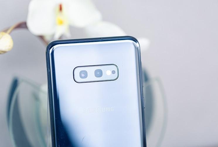 Samsung Galaxy S10e: קצת פשרה, הרבה תמורה