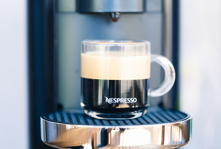 Nespresso Vertuo Plus כולל אירוצ'ינו 3 GBC2