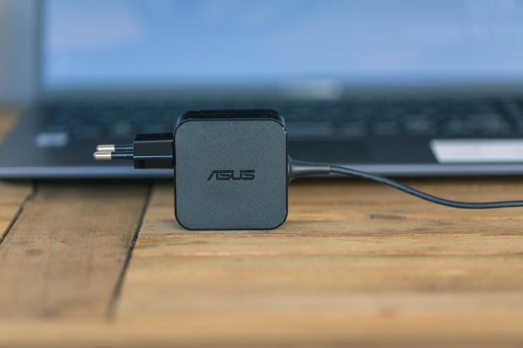 Asus VivoBook 15 X512FA-BQ219T