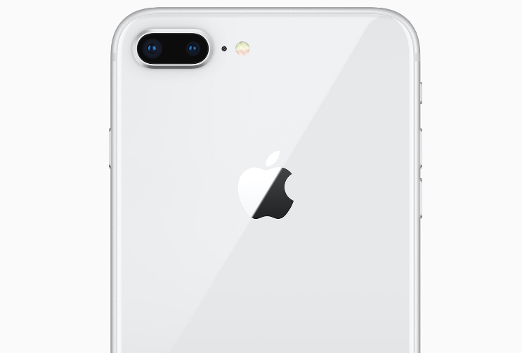 iPhone 8 Plus: כבד וחזק
