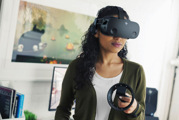 HP מציגה ניידים, מסכים ומשקפי AR חדשים