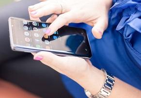 סמסונג מתחילה בהפצת אנדרואיד 9.0 לסדרת Galaxy S9