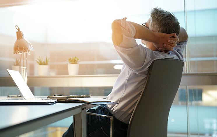 עובדים מהבית: 5 מוצרים שאתם חייבים לסביבת עבודה נוחה