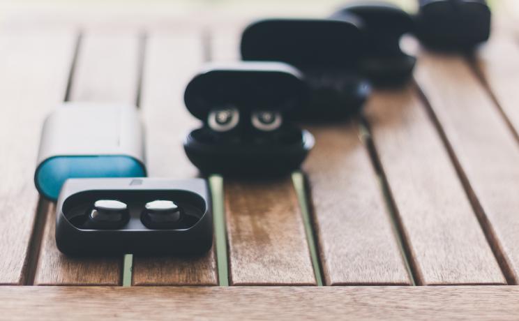 מבחן אוזניות אלחוטיות True Wireless