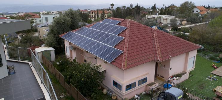 האם משתלם להתקין פאנלים סולאריים?