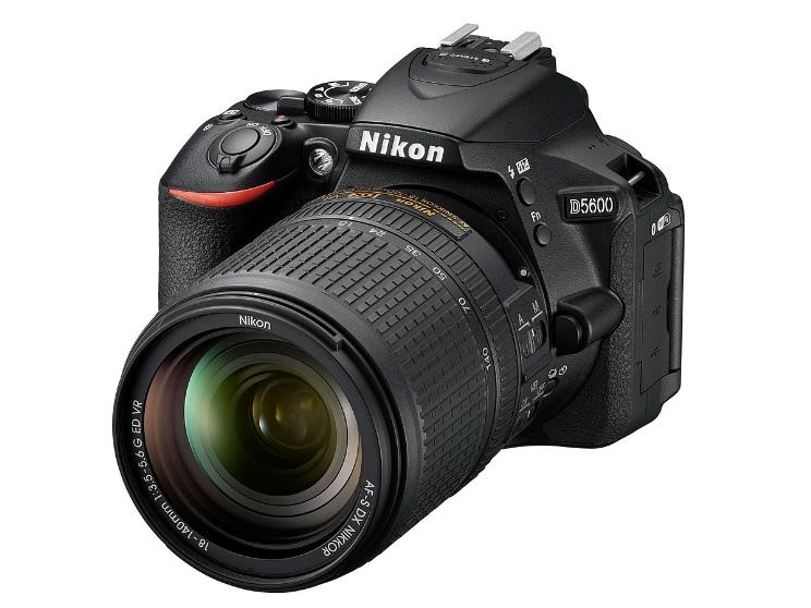 ניקון D5600 - מצלמת DX עם שיתוף תמונות חכם
