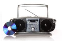 כל מערכות הסטריאו מנגנות תקליטורים וחלקן גם תקליטורים צרובים