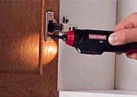 נורית LED עדיפה על נורית ליבון בזכות איכות תאורה משופרת ואורך חיים ממושך יותר